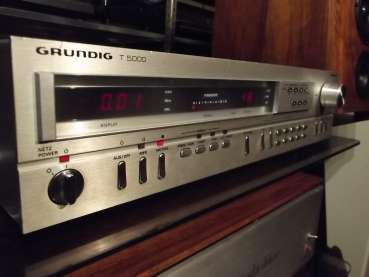 GRUNDIG T-5000 digital Tuner 70ger Jahre High End Bolide